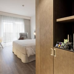 AC Hotel Paris Le Bourget Airport by Marriott удобства в номере