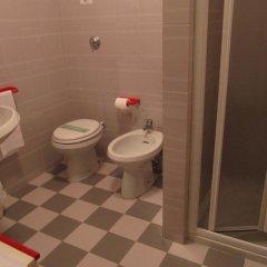 Отель Garden Италия, Ноале - отзывы, цены и фото номеров - забронировать отель Garden онлайн ванная