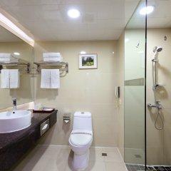 Отель New World Hotel Китай, Гуанчжоу - отзывы, цены и фото номеров - забронировать отель New World Hotel онлайн ванная фото 2