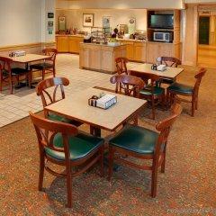 Отель Country Inn & Suites Columbus Airport-East питание