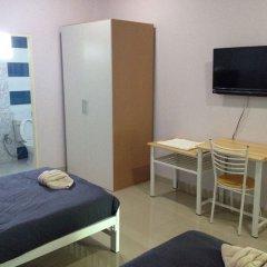 Отель Sirarom Land Бангкок комната для гостей фото 2