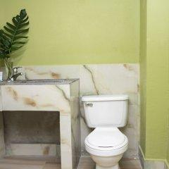 Отель Pulse Rooms at Trafalgar ванная фото 2