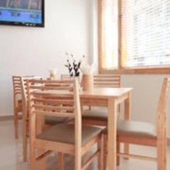 Отель Pine Lodge Мальдивы, Мале - отзывы, цены и фото номеров - забронировать отель Pine Lodge онлайн питание фото 3