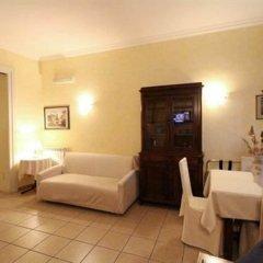 Отель Julia Guesthouse Италия, Рим - отзывы, цены и фото номеров - забронировать отель Julia Guesthouse онлайн комната для гостей