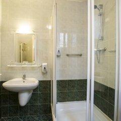 Baross City Hotel ванная