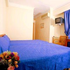 Отель Hostal La Lonja комната для гостей