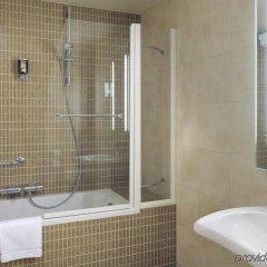 Отель Novotel Brussels Centre Midi Station ванная фото 2