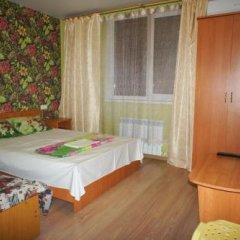 Гостиница 98 Kati Solovyanovoy Guest House в Анапе отзывы, цены и фото номеров - забронировать гостиницу 98 Kati Solovyanovoy Guest House онлайн Анапа комната для гостей фото 3