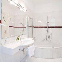 Отель Bavaria Италия, Меран - отзывы, цены и фото номеров - забронировать отель Bavaria онлайн ванная