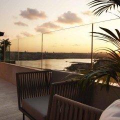Radisson Blu Hotel Istanbul Pera Турция, Стамбул - 2 отзыва об отеле, цены и фото номеров - забронировать отель Radisson Blu Hotel Istanbul Pera онлайн бассейн фото 2