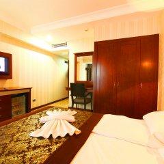 Monaco Hotel сейф в номере