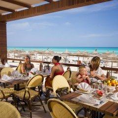Отель Djerba Plaza Hotel Тунис, Мидун - отзывы, цены и фото номеров - забронировать отель Djerba Plaza Hotel онлайн питание
