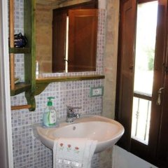 Отель La Pietra Rara B&B Монтоне ванная фото 2