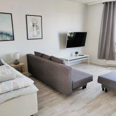 Отель Hiisi Homes Helsinki Sörnäinen комната для гостей
