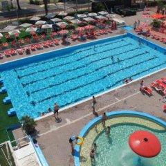 Hotel 4 Stagioni Риччоне бассейн