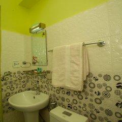 Отель OYO 207 Hotel Cirrus Непал, Нагаркот - отзывы, цены и фото номеров - забронировать отель OYO 207 Hotel Cirrus онлайн ванная фото 2