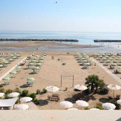 Hotel Belvedere Spiaggia Римини пляж