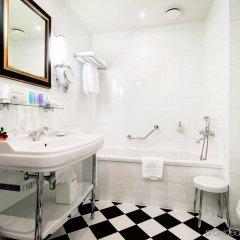 Отель Grand Palace Hotel Латвия, Рига - 1 отзыв об отеле, цены и фото номеров - забронировать отель Grand Palace Hotel онлайн ванная