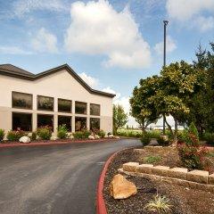 Отель Best Western - Suites Колумбус парковка