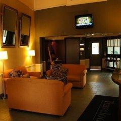 Отель Travelodge by Wyndham Ottawa East Канада, Оттава - отзывы, цены и фото номеров - забронировать отель Travelodge by Wyndham Ottawa East онлайн интерьер отеля фото 2