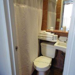Отель Belnord Hotel США, Нью-Йорк - 10 отзывов об отеле, цены и фото номеров - забронировать отель Belnord Hotel онлайн ванная фото 2