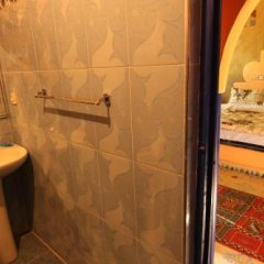 Отель Auberge Les Roches Марокко, Мерзуга - отзывы, цены и фото номеров - забронировать отель Auberge Les Roches онлайн ванная фото 2