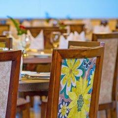 Отель Golden Tulip Westlands Nairobi Кения, Найроби - отзывы, цены и фото номеров - забронировать отель Golden Tulip Westlands Nairobi онлайн питание фото 2