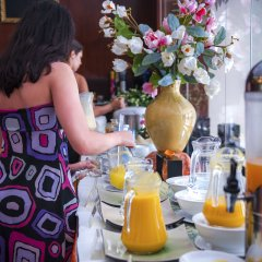 The Summer Hotel питание фото 3