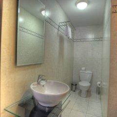 Отель St. Julians Bay Hotel Мальта, Баллута-бей - 1 отзыв об отеле, цены и фото номеров - забронировать отель St. Julians Bay Hotel онлайн ванная фото 2
