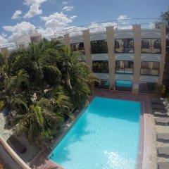 Hotel Doralba Inn бассейн