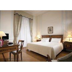 Hotel Quirinale сейф в номере