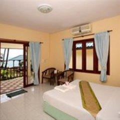 Отель Sarocha Villa комната для гостей