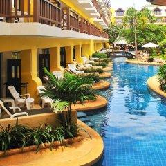 Отель Woraburi Phuket Resort & Spa бассейн