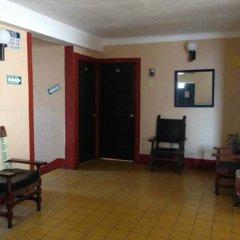 Отель Gallo Rubio Мексика, Гвадалахара - отзывы, цены и фото номеров - забронировать отель Gallo Rubio онлайн интерьер отеля