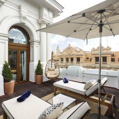 Отель H10 Villa de la Reina Boutique Hotel Испания, Мадрид - отзывы, цены и фото номеров - забронировать отель H10 Villa de la Reina Boutique Hotel онлайн бассейн