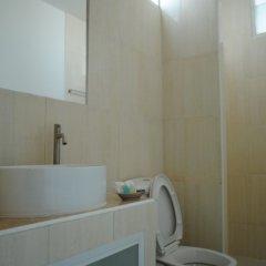 Отель South Hill Apartment Pattaya Таиланд, Паттайя - отзывы, цены и фото номеров - забронировать отель South Hill Apartment Pattaya онлайн ванная фото 2