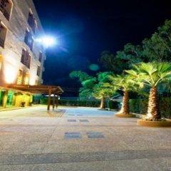 Отель Green Point Resort Бангкок парковка