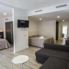 Gran Hotel Don Juan Resort 4* Стандартный семейный номер с различными типами кроватей фото 7