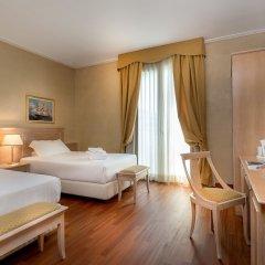 Отель De Londres Италия, Римини - 9 отзывов об отеле, цены и фото номеров - забронировать отель De Londres онлайн сейф в номере
