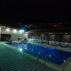 Отель Seven Wonders Hotel Иордания, Вади-Муса - отзывы, цены и фото номеров - забронировать отель Seven Wonders Hotel онлайн бассейн фото 3