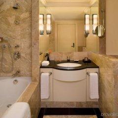 Отель Sheraton Warsaw Hotel Польша, Варшава - 7 отзывов об отеле, цены и фото номеров - забронировать отель Sheraton Warsaw Hotel онлайн ванная