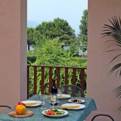 Отель Camping Garden Tourist Манерба-дель-Гарда балкон
