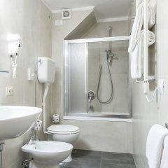 Отель Albergo Firenze Италия, Флоренция - 2 отзыва об отеле, цены и фото номеров - забронировать отель Albergo Firenze онлайн ванная фото 2