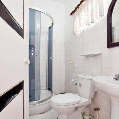 Отель Chitra Ayurveda Hotel Шри-Ланка, Бентота - отзывы, цены и фото номеров - забронировать отель Chitra Ayurveda Hotel онлайн ванная