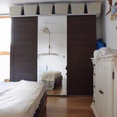 Апартаменты River View Apartment in London сейф в номере