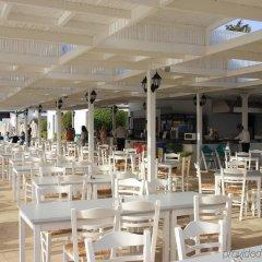 Отель Callisto Holiday Village Айя-Напа помещение для мероприятий