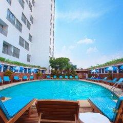 Отель MONTIEN Бангкок бассейн