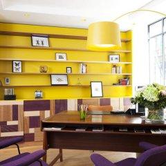 Отель Hôtel Crayon Rouge by Elegancia интерьер отеля фото 3