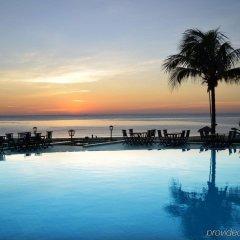 Отель Centara Sandy Beach Resort Danang бассейн фото 2