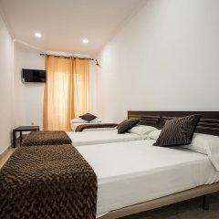 Отель Hostal Rincón De Sol Мадрид сейф в номере